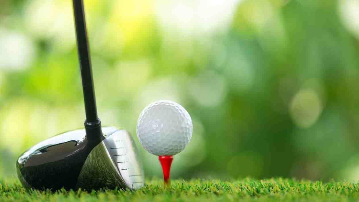 Comment fabrique-t-on une balle de golf?