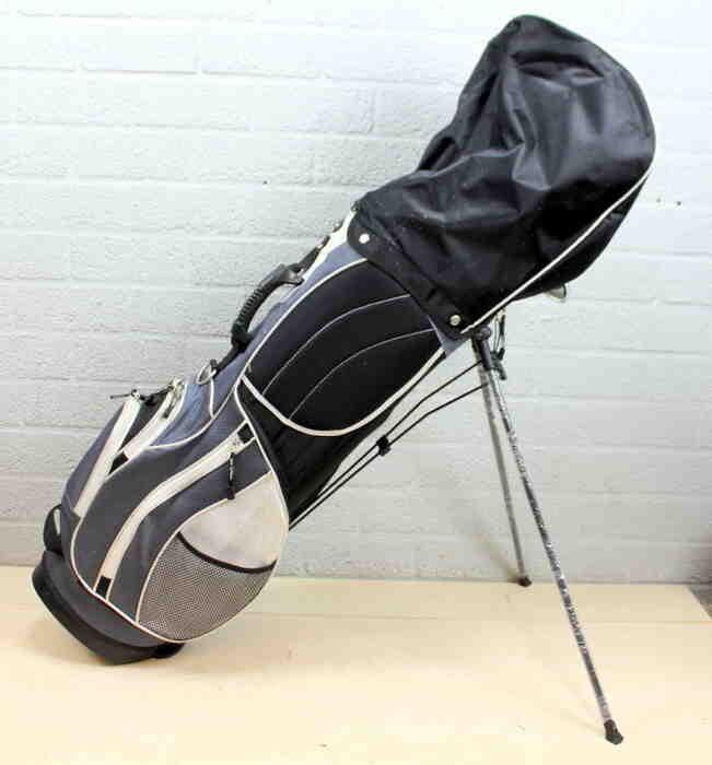 Comment nettoyer la poignée d'un club de golf?