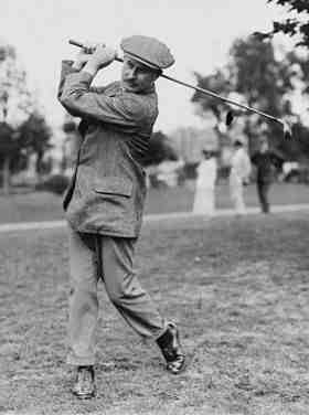 Comment s'appelle ce qui tient la balle de golf ?