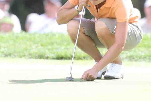 Pourquoi y a-t-il 18 trous dans le golf?