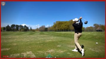 Comment frapper une balle droite au golf?